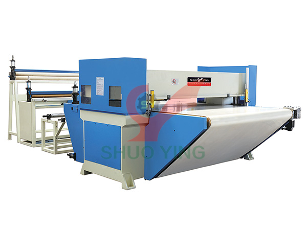 Precision four column hydraulic cutting machine for continuous cutting of conveyor belt